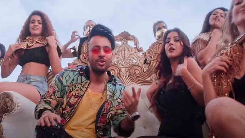 shehnaaz gill tony kakkar song kurtapajama crossed 100 million views