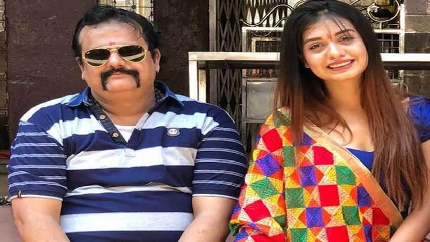 Divya Agarwal father passes away