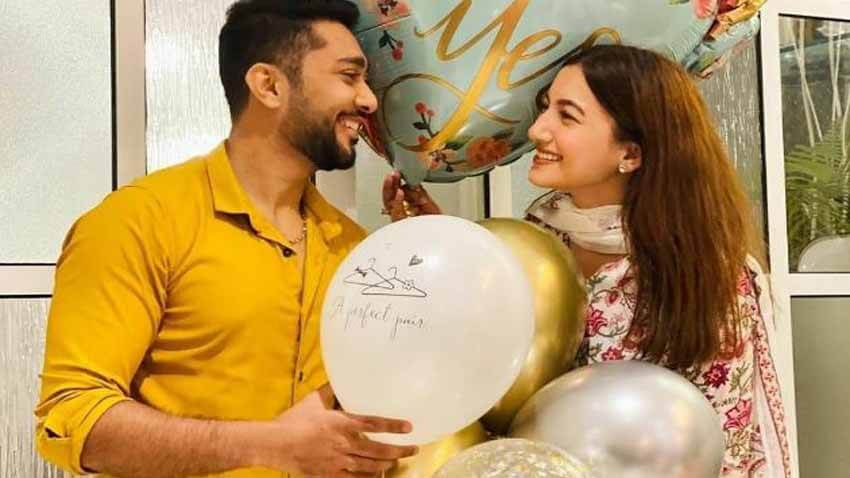 Gauahar khan gets engaged with bf Zaid Darbar