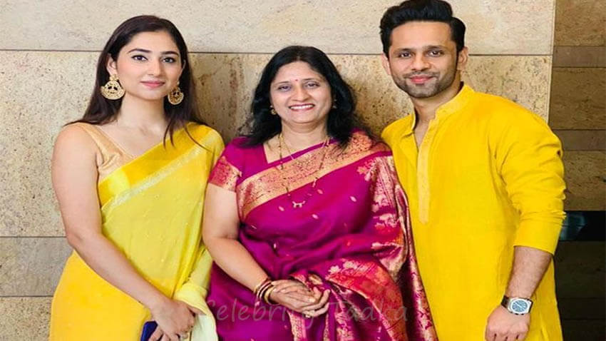 Rahul Vaidya with mother and Disha Parmar